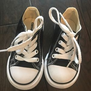 Converse Shoes - Converse black & white shoes